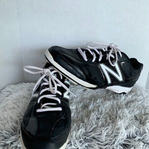 New Balance Shoes - New Balance men's metal baseball cleats. Size 13